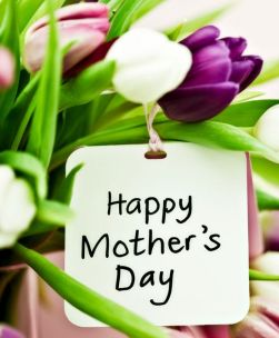 Etiquette Expert's 8 Tips for a Great Mother's Day Celebration